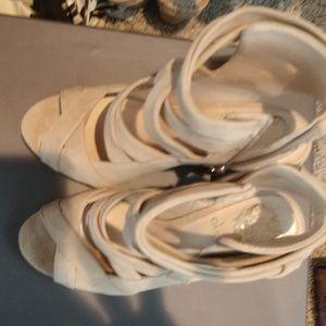 New chunky heel shoezy